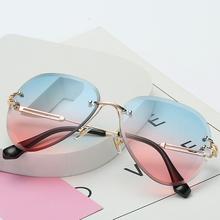 2019 nowy projekt marki Vintage Rimless Pilot okulary kobiety mężczyźni Retro cięcia soczewki gradientu dla kobiet UV400 tanie tanio TOYEARN Dla dorosłych Stop Fotochromowe Antyrefleksyjną Poliwęglan T0371 61mm 54mm Gray Blue Pink Black Pink Red Gray Pink