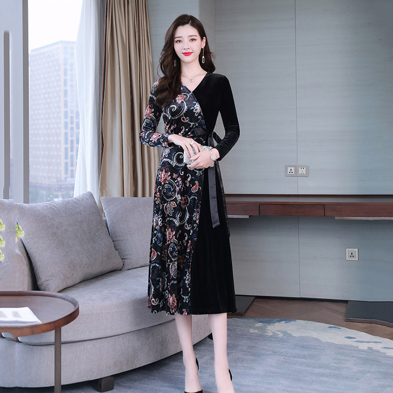 Romantic Plus Size Women Clothing Winter High-quality Velvet Thick Blouse Elegant Drape Neck Women Tunic Top Feminine Blouses M-8xl H153 Women's Clothing
