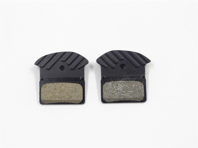 4 PCS SHIMANO J03A ICE-TECH Resin Cooling Fin Disc Brake Pads for M6000 SLX M7000, Deore XT  M8000, XTR M9000 Update from J02A