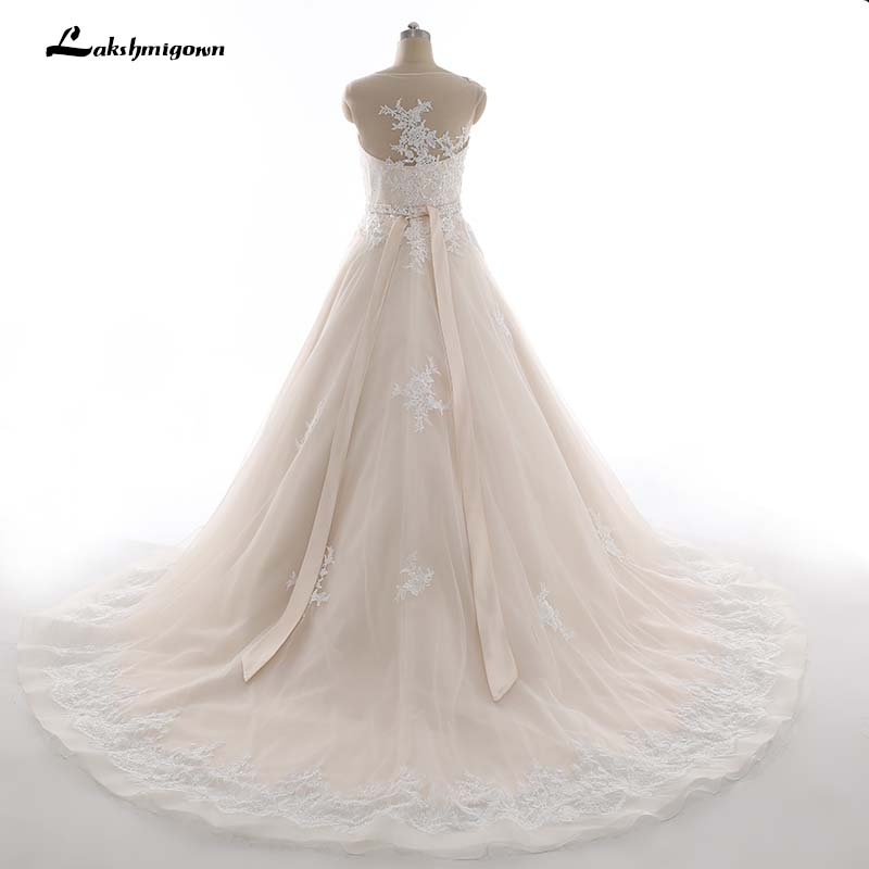Champagne Wedding Dresses with ivory Lace Appliques Bridal Dress Muslim Plus Size Lace Wedding Dress 2018 Princess Wedding dress