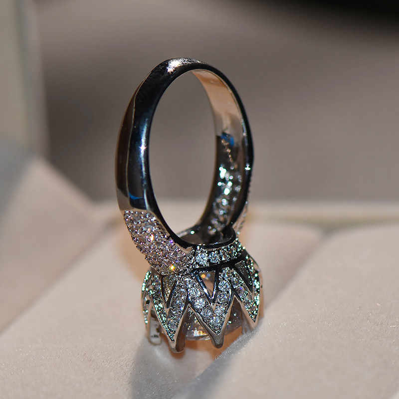 Luxury Female Big Stone Ring Large Silver Queen Crown Ring Vintage Wedding Bands Promise Love Engagement Rings For Women