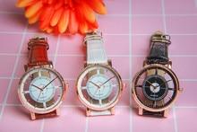Vintage Design Women Quartz Watch with Leather Strap