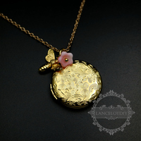 27mm Gold Color Locket With Bee Pink Glass Flower Pendant Charm Long Fashion Women S Sweater