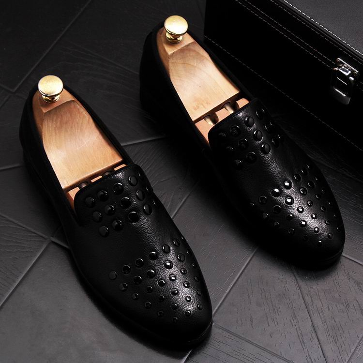 New Arrival Luxury Men Black Loafer Shoes Fashion Designer Slip On Rivets Trending Casual Shoes Man British Chic Zapatos 10