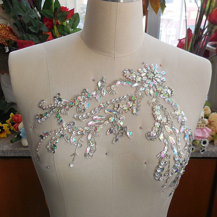 bi.Dw.M Ab Crystal Rhinestone Hand Beaded Applique Patches For wedding Bridal Chest Belly Decoration Dresses Costumes Clothes