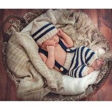 e1567bbd86296 Bébé Photo Costume Vêtements Nouveau-Né Filles Garçons Photographie Prop  Crochet Tricot Globale Bib Pantalon + Chapeau 2 pcs Ens..