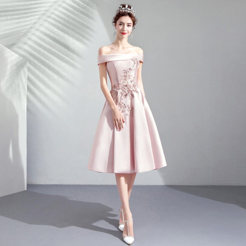 2019 New Young Mom Sweet Lace Princess Shoulderless Sleeveless Long Party Dress2019 New Young Mom Sweet Lace Princess Shoulderless Sleeveless Long Party Dress
