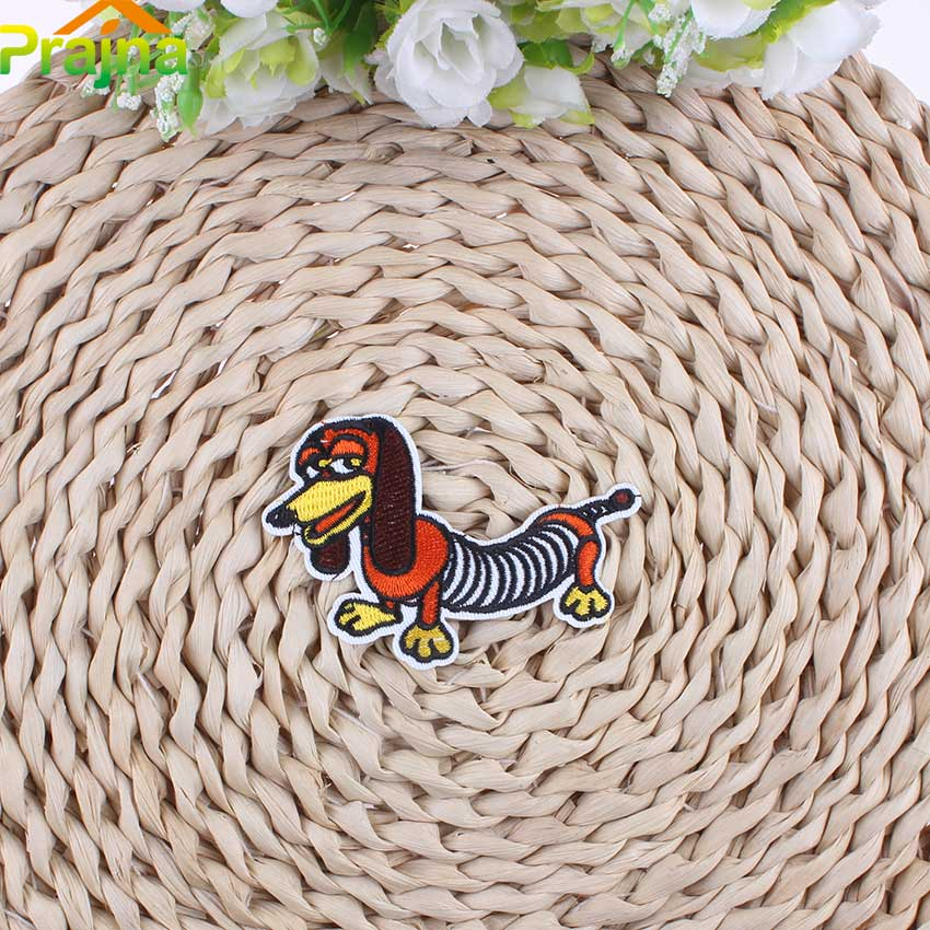 Hot Sale Dog Patch Applique Iron On Cheap Embroidered Cute Patches Cartoon Animal Stickers For Clothes Badges