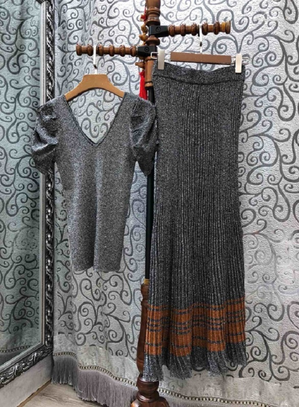 High Quality New 2019 Summer Autumn Sweater Suits Women V-Neck Dark Grey Pullovers+Striped Color Block Knitted Long Skirt Sets
