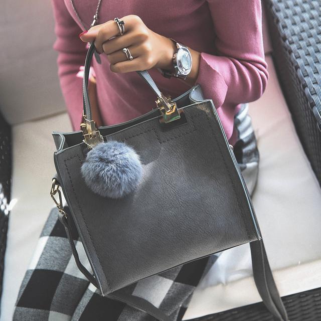 Free shipping, 2017 new woman handbags, fashion messenger bag, retro Korean version women bag, trend hairball ornaments flap.