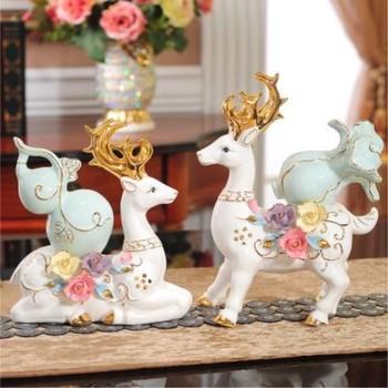 Elk crafts ornaments, home decorations desktop furnishings, send friends wedding gifts