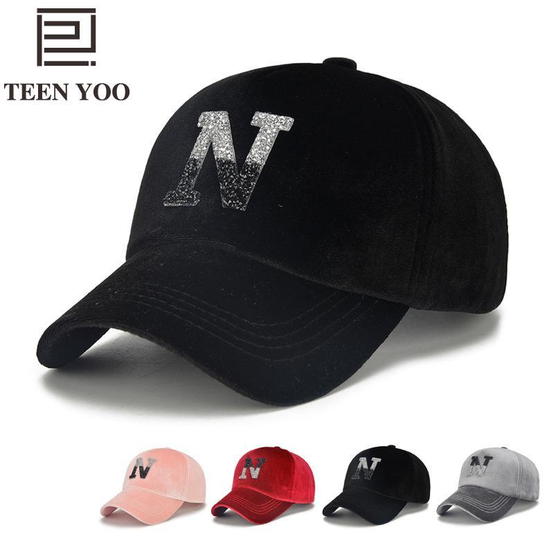 c7c69a1f2d5 New Japanese Retro Velvet N Letter Baseball Caps Men Women Autumn Winter  Outdoor Sport Pure Colors Adhesive Diamond Snapback Hat-in Baseball Caps  from ...