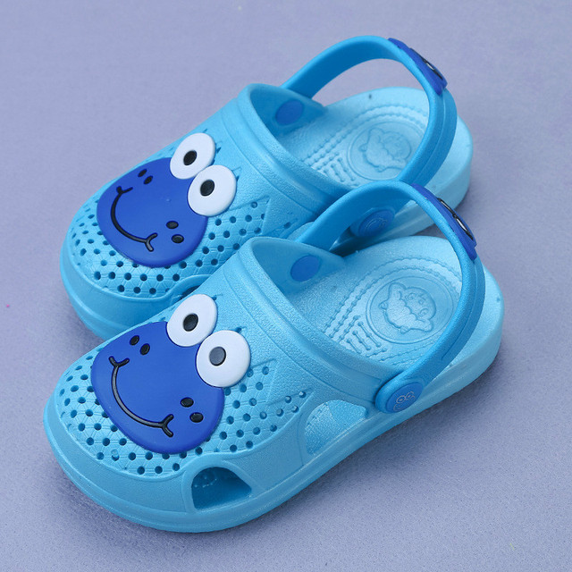 69f74eb9 Boys Girl Slippers 2018 Summer Kids Clogs Cartoon Slippers with Cute Frog  Children Shoes Pink Green Blue Baby Sandals Size 24-29