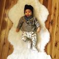 2017 outono Bebê Recém-nascido Roupas de menina Conjunto de Roupas de Bebê Menino Longo camiseta manga + calça 2 pc terno Infantil Roupas de bebê Traje