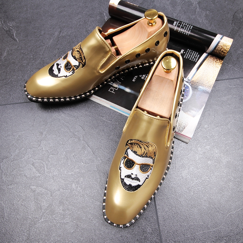 CuddlyIIPanda Men Punk Style Fashion Loafers Rock Rivet Top Quality Comfortable Breathable Men Superstar Shoes Men Casual Shoes 17
