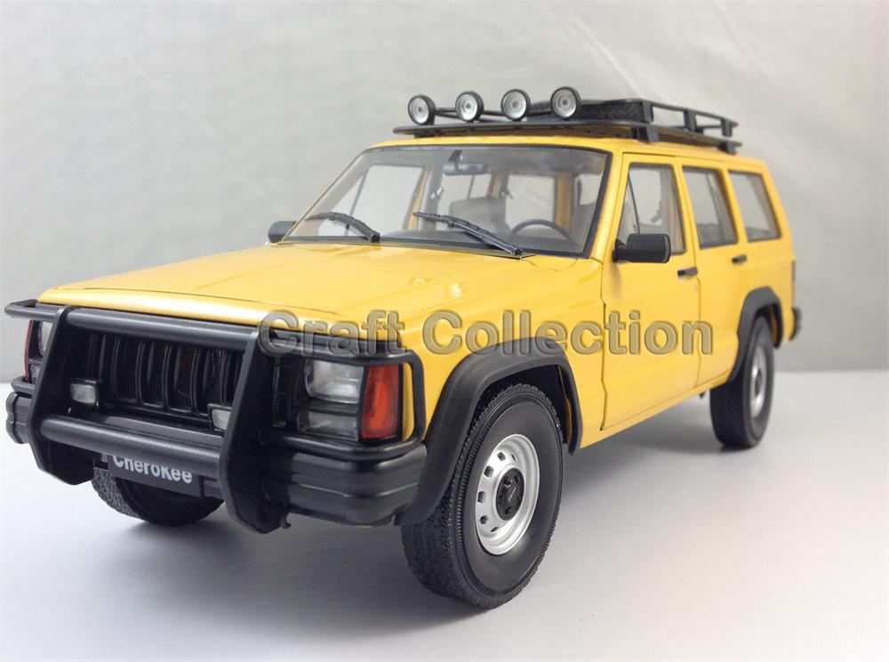 * Yellow 1/18 Car Model for Jeep Cherokee 2500 Off Road Vehicle SUV Alloy Toy Car 1 18 otto renault espace ph 1 2000 1 car model reynolds