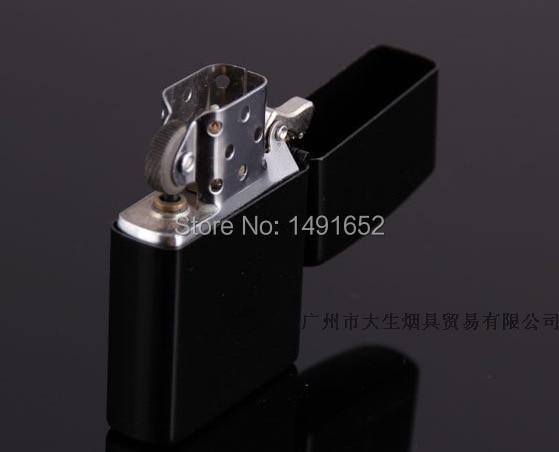 Hochwertige Marke Feuerzeuge Metall nachfüllbar Öl winddicht - Haushaltswaren - Foto 3
