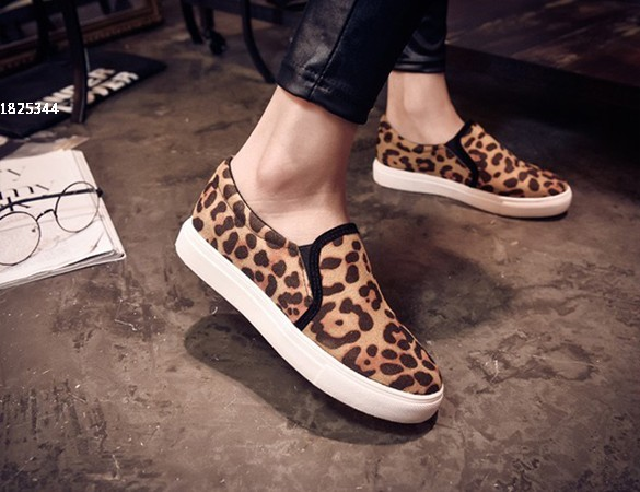 473d22b4217 Women Flats Shoes sneakers Women Leopard Print casual shoes Comfortable  loafers Sport Shoes 25-in Women s Flats from Shoes on Aliexpress.com