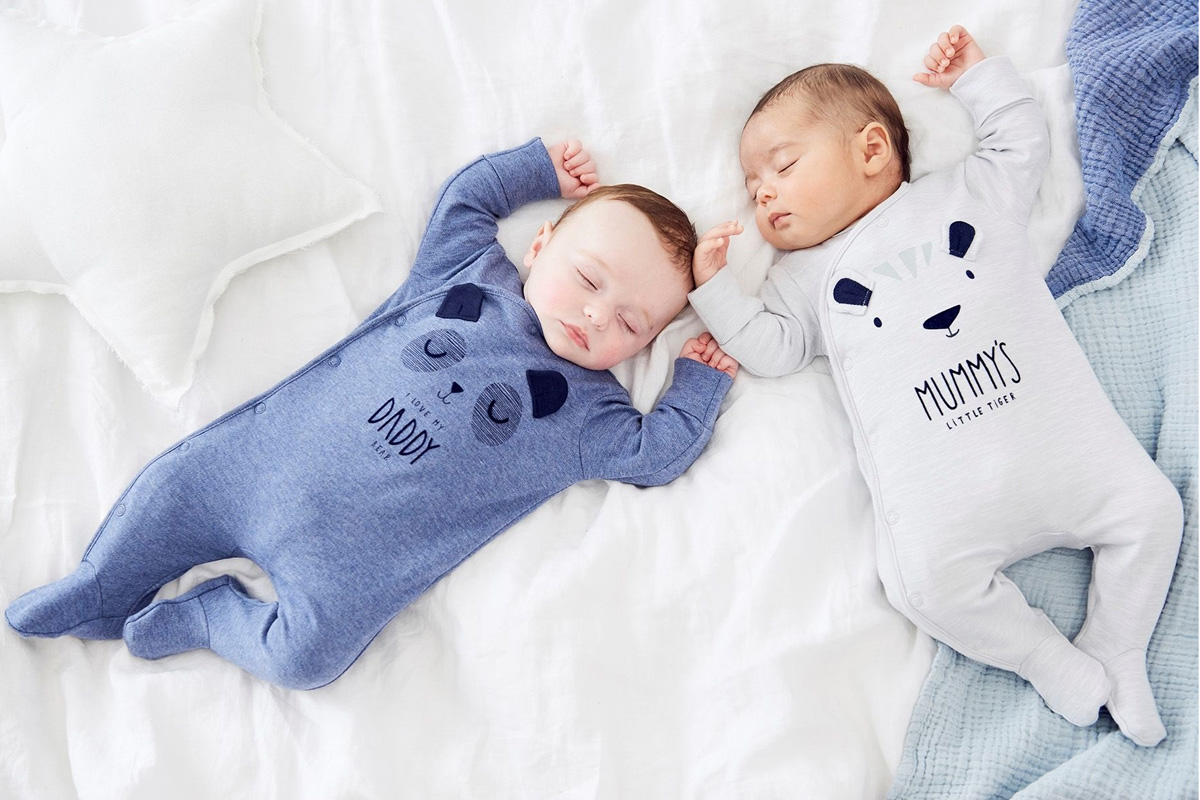 HTB1LHLPXLfsK1RjSszbq6AqBXXaE Infant Cartoon Bear Baby Clothes Girl&Boys Long Sleeve Daddy Mummy Baby Rompers Babygrow Sleepsuits Baby Romper 0-18 Months