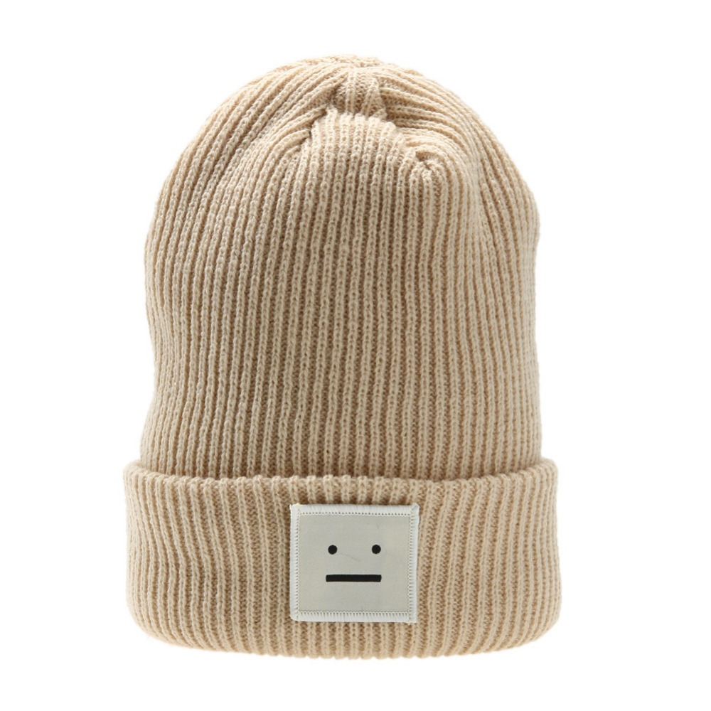 b98562818b152 Free Dropshipping Women Men s Hat Winter Knitted Beanie Poker faced Robot  Label Ball Wool Cuff Hat Casual Cap Cute Warm Hat-in Skullies   Beanies  from ...