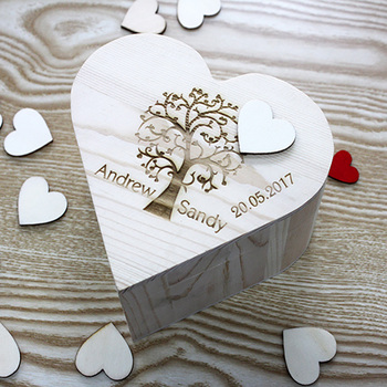 Custom Name Date Wooden Keepsake Box Rustic Wedding Souvenirs Engrave Guest Heart Shape Drop Box for Wedding Decoration image