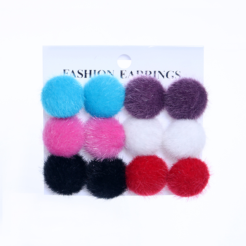YANG & RH Hot Selling Round Stud Earring Set New Fashion Rabbit Fur Button Earring Set Mix för kvinnor Partihandel smycken massor