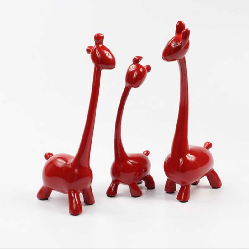 La famille de trois cerf rouge créatif mariage personnages de fête décor à la maison résine artisanat envoyer des amis mariage cadeau d'anniversaire