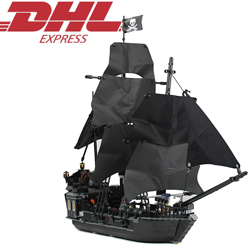 LELE 804Pcs Pirates Of The Caribbean The Black Pearl Ship Model Building Kits Blocks Brick Toy For Children Compatible With 4184 1513pcs pirates of the caribbean black pearl general dark ship 1313 model building blocks children boy toys compatible with lego