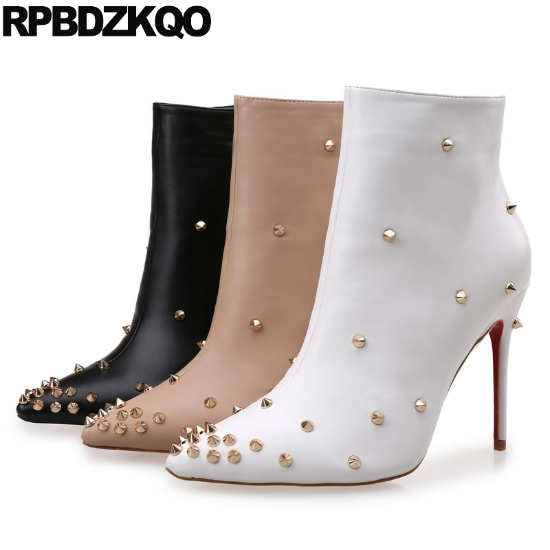 купить White Pointy Boots Women Pointed Toe Stud Stiletto Booties Shoes Spike Side Zip Fur Ankle Winter Short British High Heel Fall по цене 3691.25 рублей