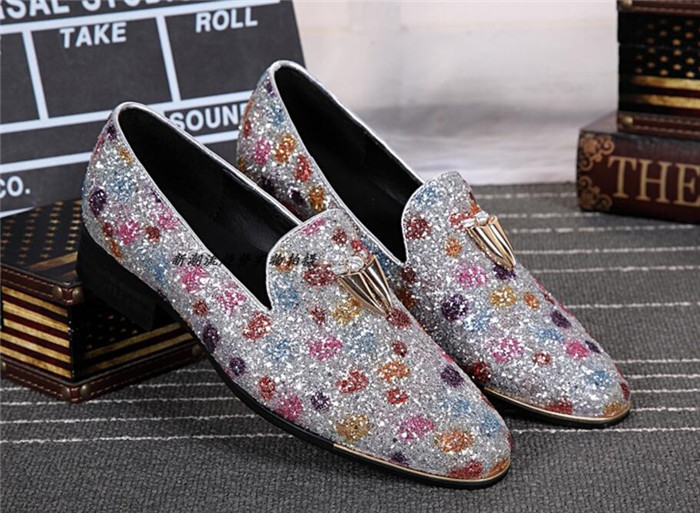 2018 Spring new men slip-on round toe casual shoes leather flat leather sequined men breathable business shoes personality2018 Spring new men slip-on round toe casual shoes leather flat leather sequined men breathable business shoes personality