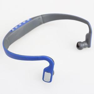 Image 3 - سماعات أذن رياضية مزودة بخطاف سماعات لاسلكية ومشغل MP3 سماعة رأس قابلة لإعادة الشحن تدعم بطاقة TF/راديو FM أزرق/وردي