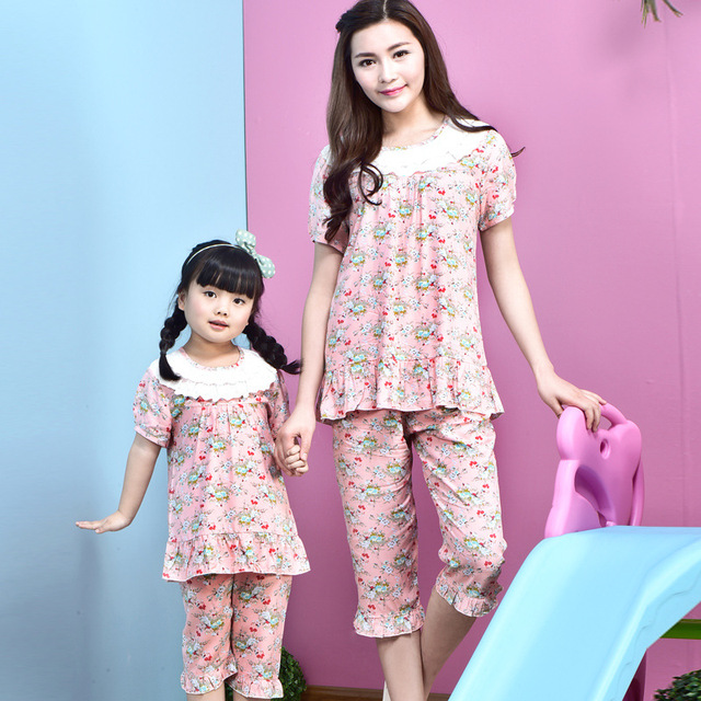 2016 new design family clothing summer short sleeve flower printed pattern sleeping mother daughter girl family matching clothes