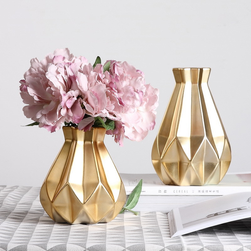 AliExpress & US $29.52 10% OFF|Gold ceramic vase geometry Porcelain vases Arts and Crafts Small Tabletop flowers vase Nordic decoration Home Wedding decoration-in ...