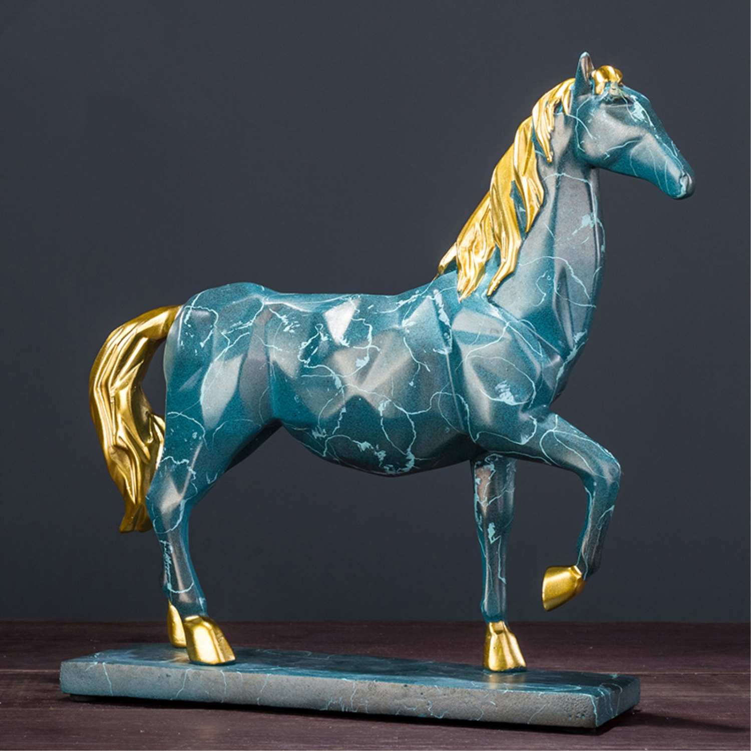 Nordic Creativity Horse Statue Home Office Decoration Hourse Sculpture Crafts Indoor Furnishing ArticlesNordic Creativity Horse Statue Home Office Decoration Hourse Sculpture Crafts Indoor Furnishing Articles