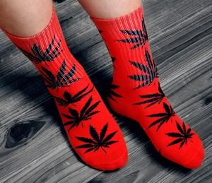 Winter high Quality Harajuku chaussette Style Weed Socks For Women Men's Cotton Hip Hop Socks Man Meias Mens Calcetines(China)