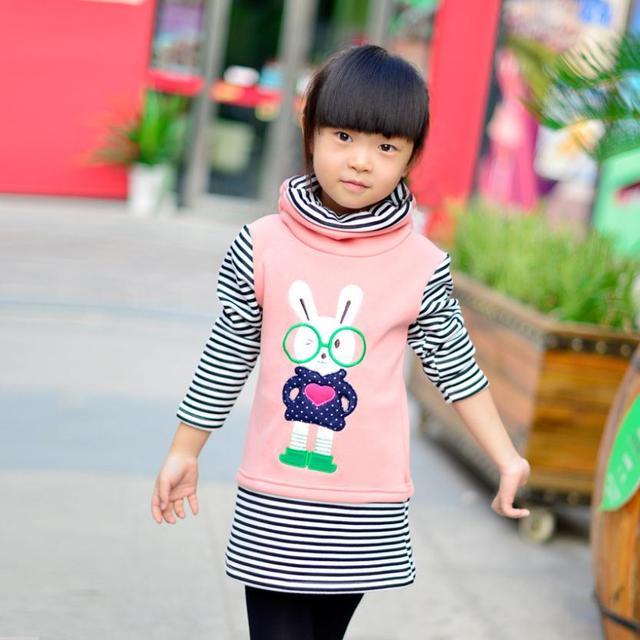 Nuevo Otoño Invierno Ropa de Los Niños del Conejo de Dibujos Animados Adorable Girls Jerseys Raya Larga Thicking Suéteres para Niños