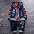 0-4 Años Muchachas de Los Bebés 2 Unidades Ropa Conjuntos Niños niños Inglaterra Cremallera Camisetas + Pantalones A Cuadros Ropa de Algodón Traje escudo