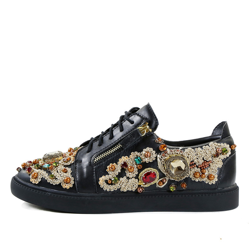 2018 Top quality Men Mixed Color Embroidery Shoes Low Top Lace Up Sneaker Rhinestone Crystal Sapatos Men Casual Shoes qianruiti men mixed color spike shoes fish scale patchwork multicolor rhinestone sneaker lace up flat high top men camping shoes