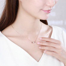 Fashion Pendant Necklace for Women Simple Rose Gold Zircon Clavicle Chain Temperament Circling Pin