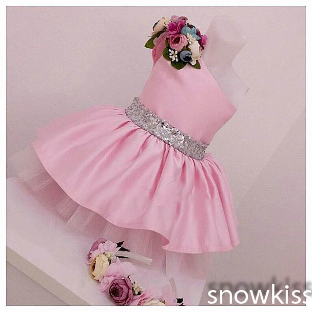 Blush pink cute short one shoulder satin flower girl dress with sequined bow sash sleeveless pleated toddler kids birthday gowns