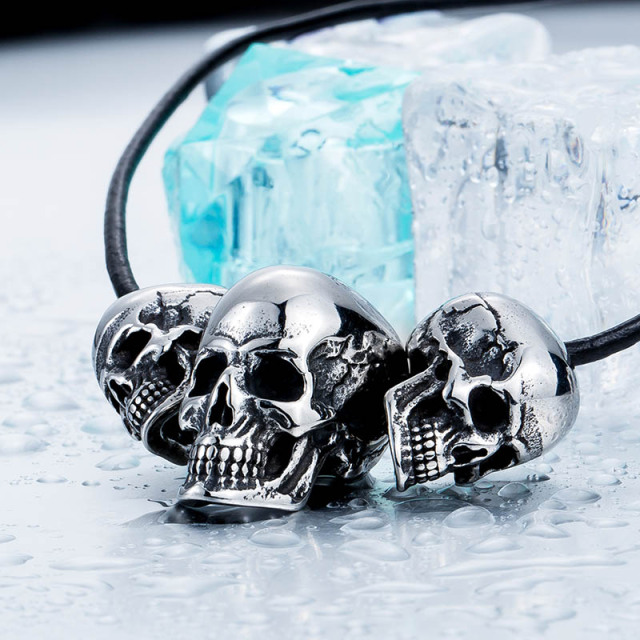 3 SKULL HEAD NECKLACE