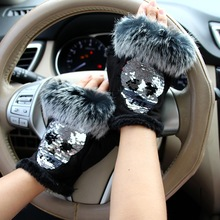 Magic Fashion Winter Gloves Women Skull silvery Sequins Rabbit Fur Gloves winter Gloves Suede half finger Mittens Female