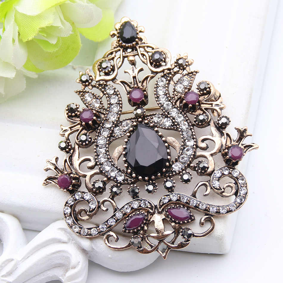 Romantic Flower Turkish Brooch Gold Color Rhinestone Women Brooches Lapel  Hijab Scarf Pins Ladies Wedding Party 490c8a8b980e