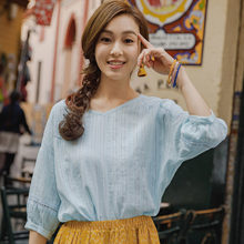 INMAN 2019 summer new artistic lace V collar pure cotton bubble 7 - sleeve shirt loose sleeve blouse(China)