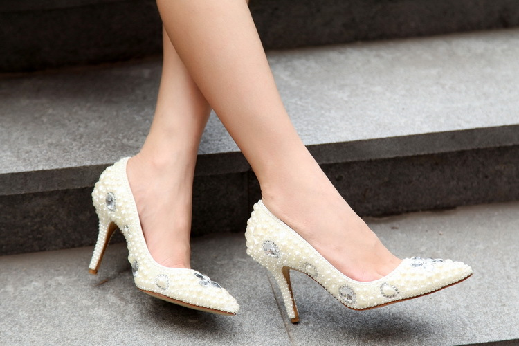 2018 Gorgeous And Fashion Pointed Toe Pearl Bridal Wedding Dress Shoes Comfortable White Shoes for Bride Anniversary Party Shoes
