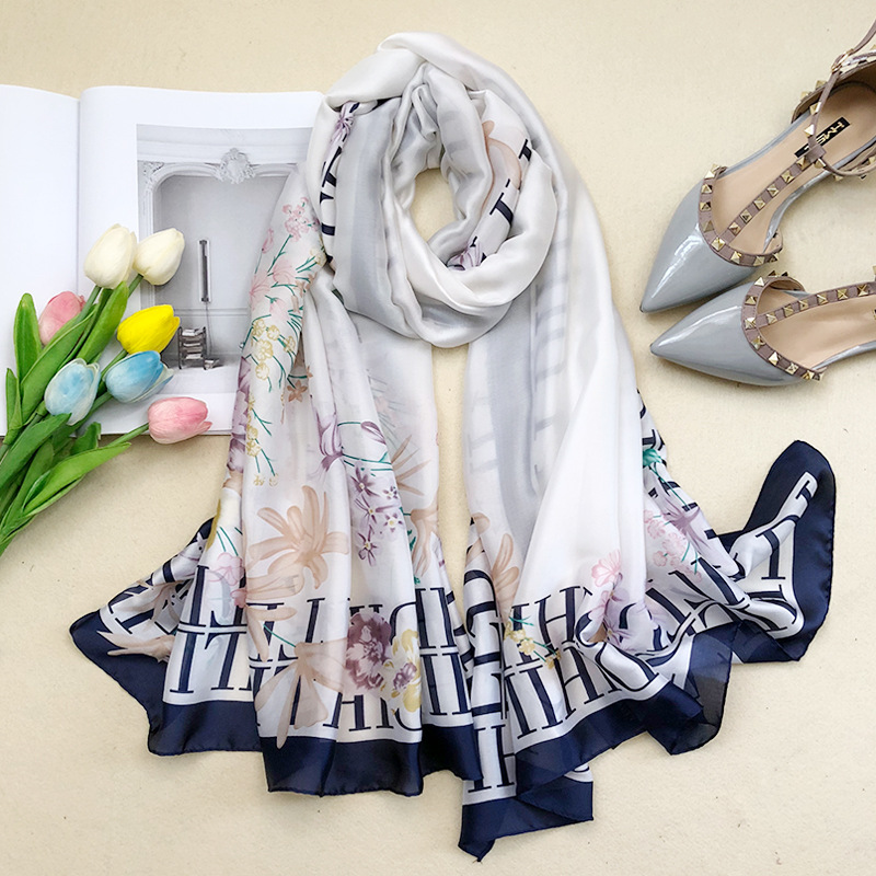 2018 luxury brand Women 100% Silk scarf Beach Shawl and Echarpe Luxurious Wrap Designer Lace scarves female beach stole bandana