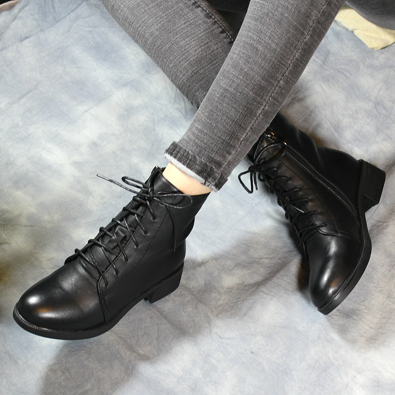 2017 Autumn Women Ankle Boots Fashion Black Women Motorcycle Boot Genuine Leather 4 CM High Heel Lace Up Martin Boot Pointed Toe 2017 autumn fashion boots sequins women shoes lady pu leather white boots bling brand martin boots breathable black lace up pink