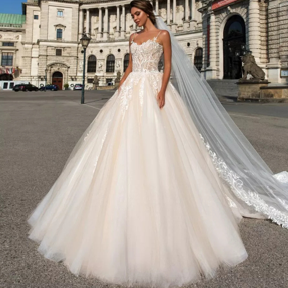 4d84e6346 Spaghetti Straps Sweetheart Neck Beading Appliques Princess Ball Gown  Wedding Dress Plus Size With Picture Veil Vestido De Noiva ~ Free Shipping  July 2019