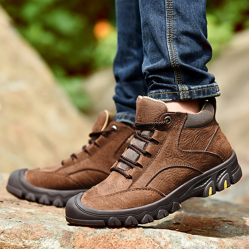 2019 Waterproof Outdoor Boots Men 2018 Plush Warm Winter Snow Boots Men Safety Work Shoes Cow