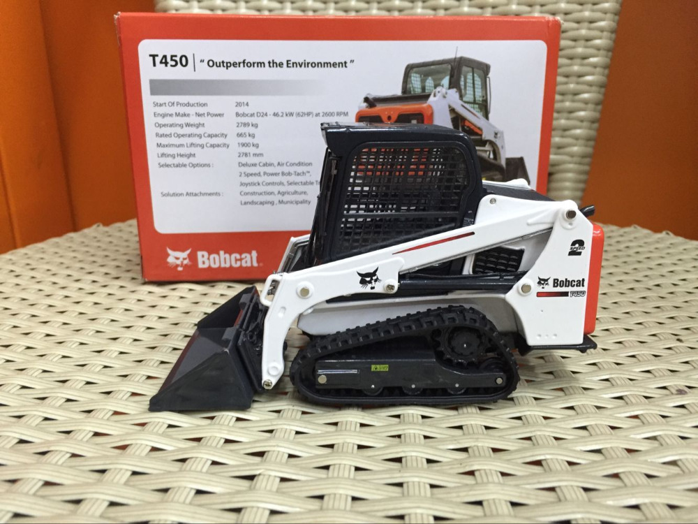 купить петербилт в сша - Bobcat T450 Compact Loader One Tough Animal 1/25 Scale dieCast Model
